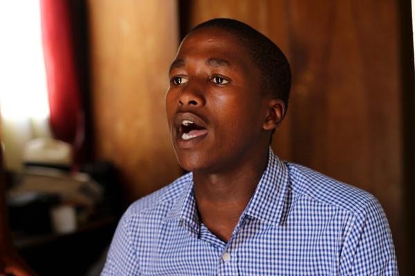 Aphiwe Nyezi